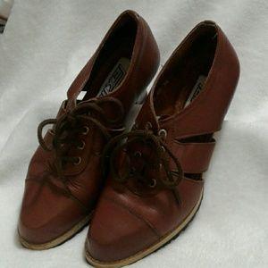 Vintage Brown Leather Heels
